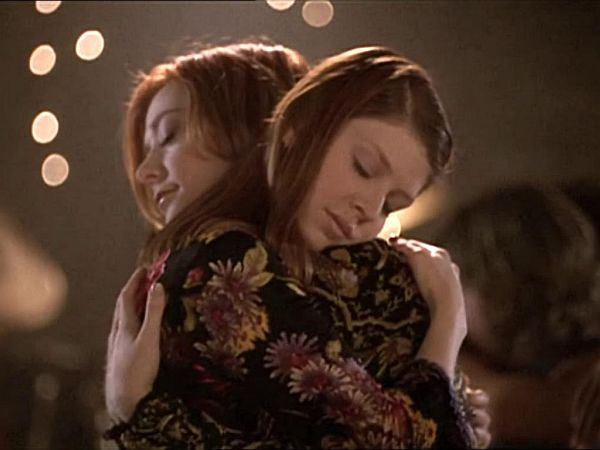 Tara and Willow dance together. Image courtesy of 21st Century Fox and BuffyWorld.com