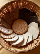 Biscuits for cheese selection