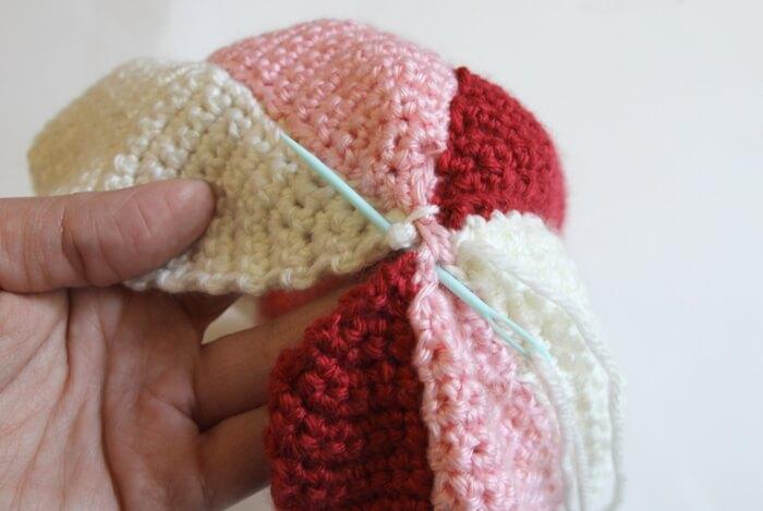 crochet beach ball step two (3)