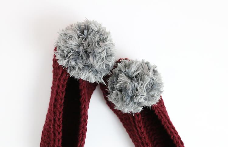 pompom crochet slippers