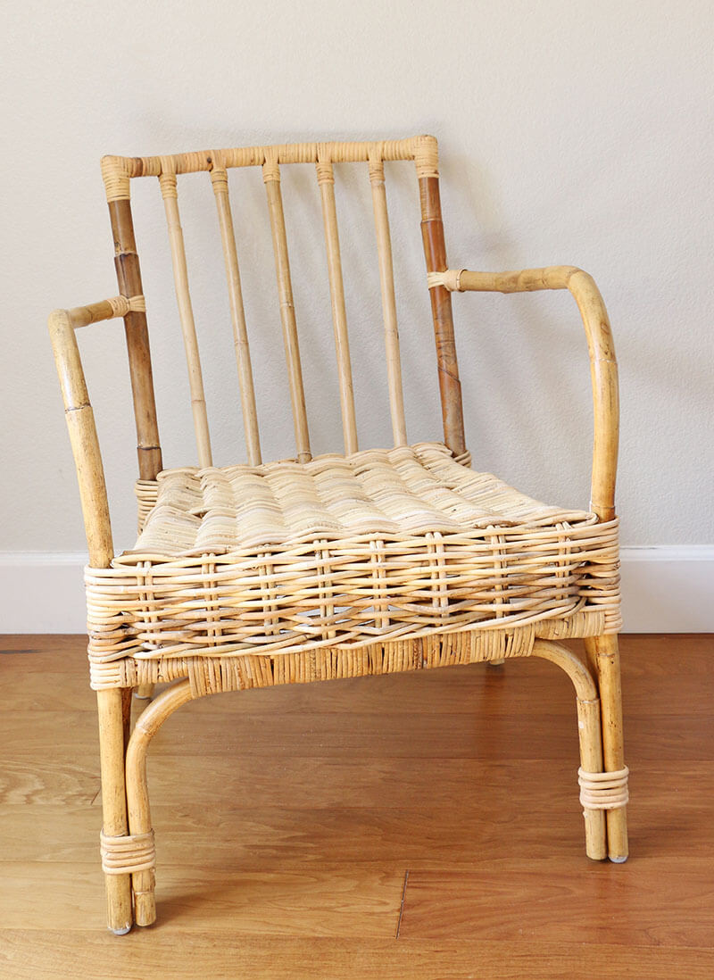 simple patio chair upgrade - painted rattan chair before