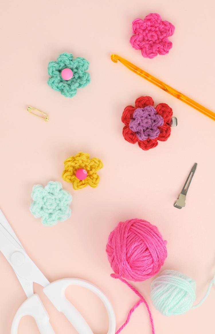 how to crochet flowers - simple flower pattern