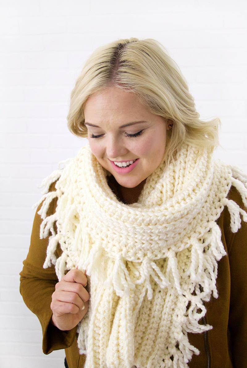 chunky ribbed tassel scarf - free crochet scarf pattern