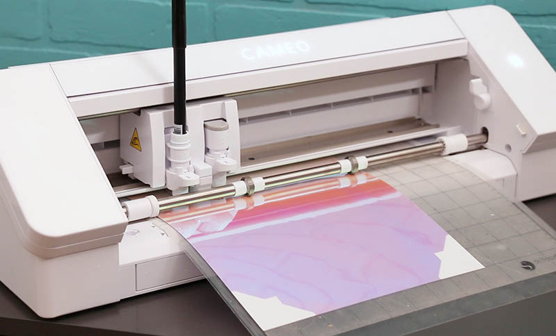 silhouette cameo 4 machine sketching craft room labels on iridescent sticker paper
