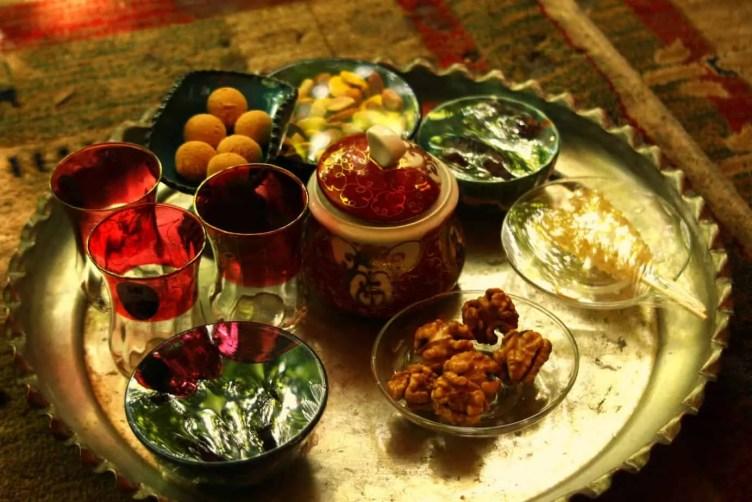 Practice Farsi Phrases with Tea