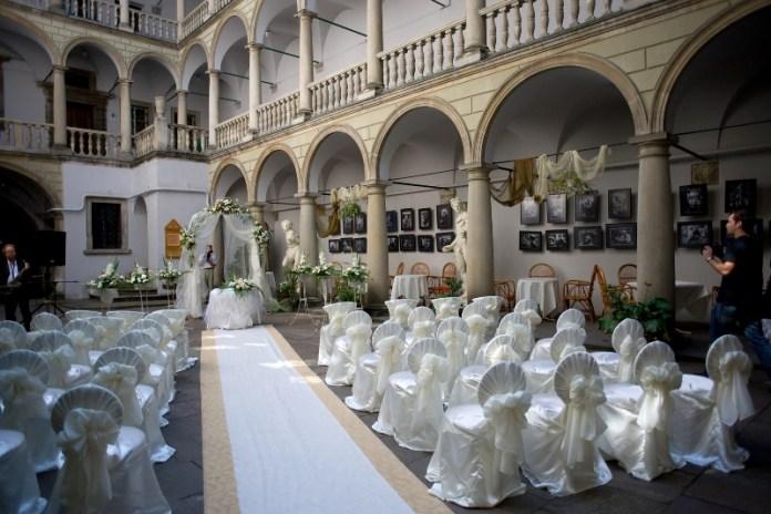 весільне оформлення в Італійському дворику