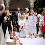 весілля в червоних тонах