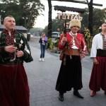 казаки гостей встречают