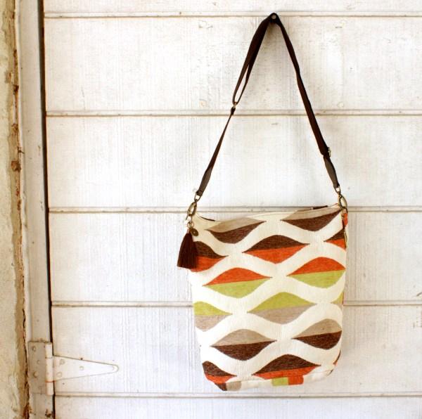 Retro Style Carpet Bag Crossbody