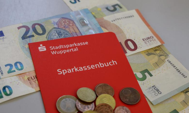 Photo of Germans save wrongly – and still get richer