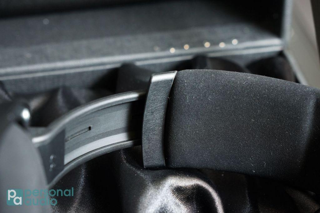 headband亦可以找到高質量微纖維織物。