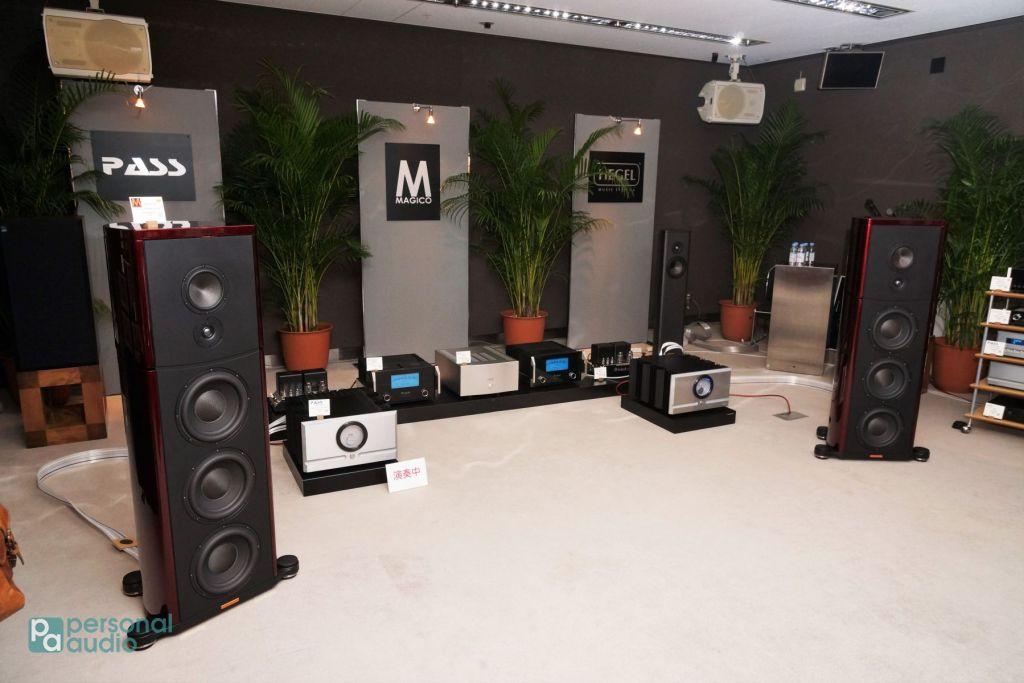 幾乎每間展房皆放置多款揚聲器,不同時段轉換不同系統。
