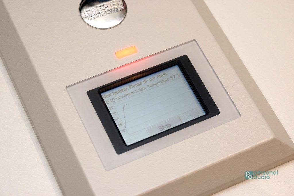 DF-05透過內部感溫元件,實時監控溫度多少,以控制加熱速度,再於顯示屏顯示相關資料