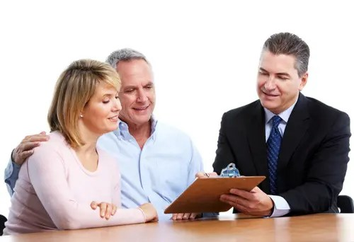 Jacobo Akle insurance agent talks with couple el paso tx