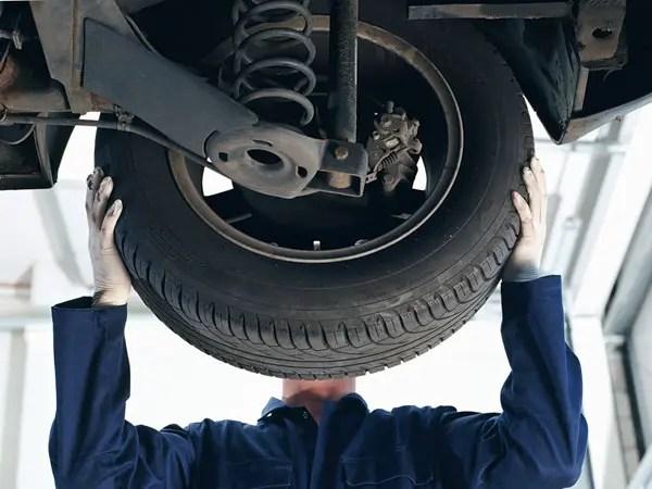 Accidentes de Automóviles y Neumáticos: Presión, Distancia de Parada Continua - El Paso Chiropractor