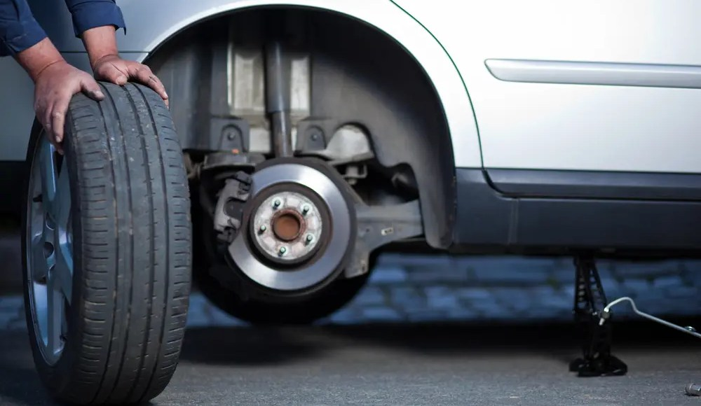 Automobile Accidents & Tires: Pressure, Stopping Distance - El Paso Chiropractor