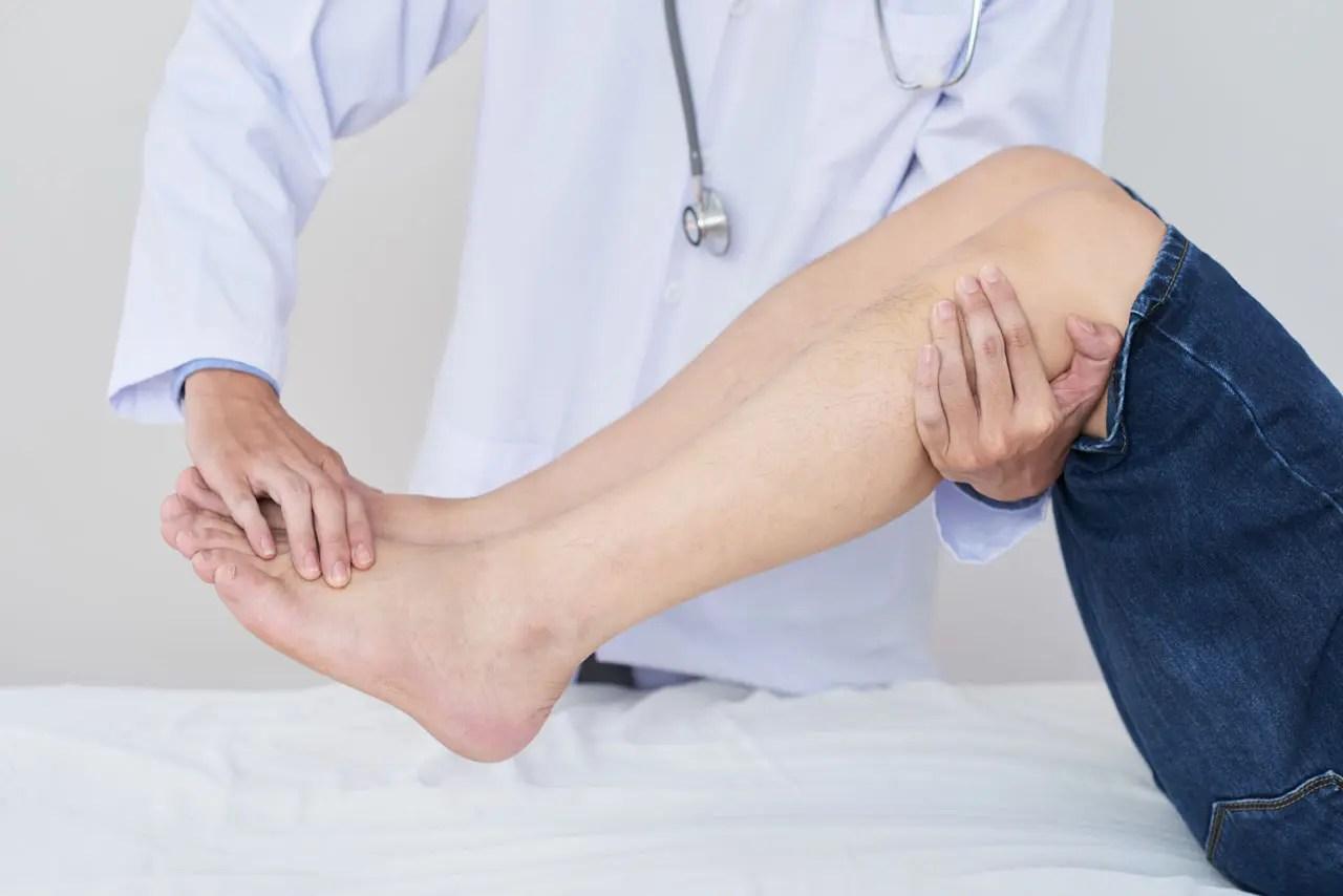 Cómo ayudar al dolor nervioso en el pie