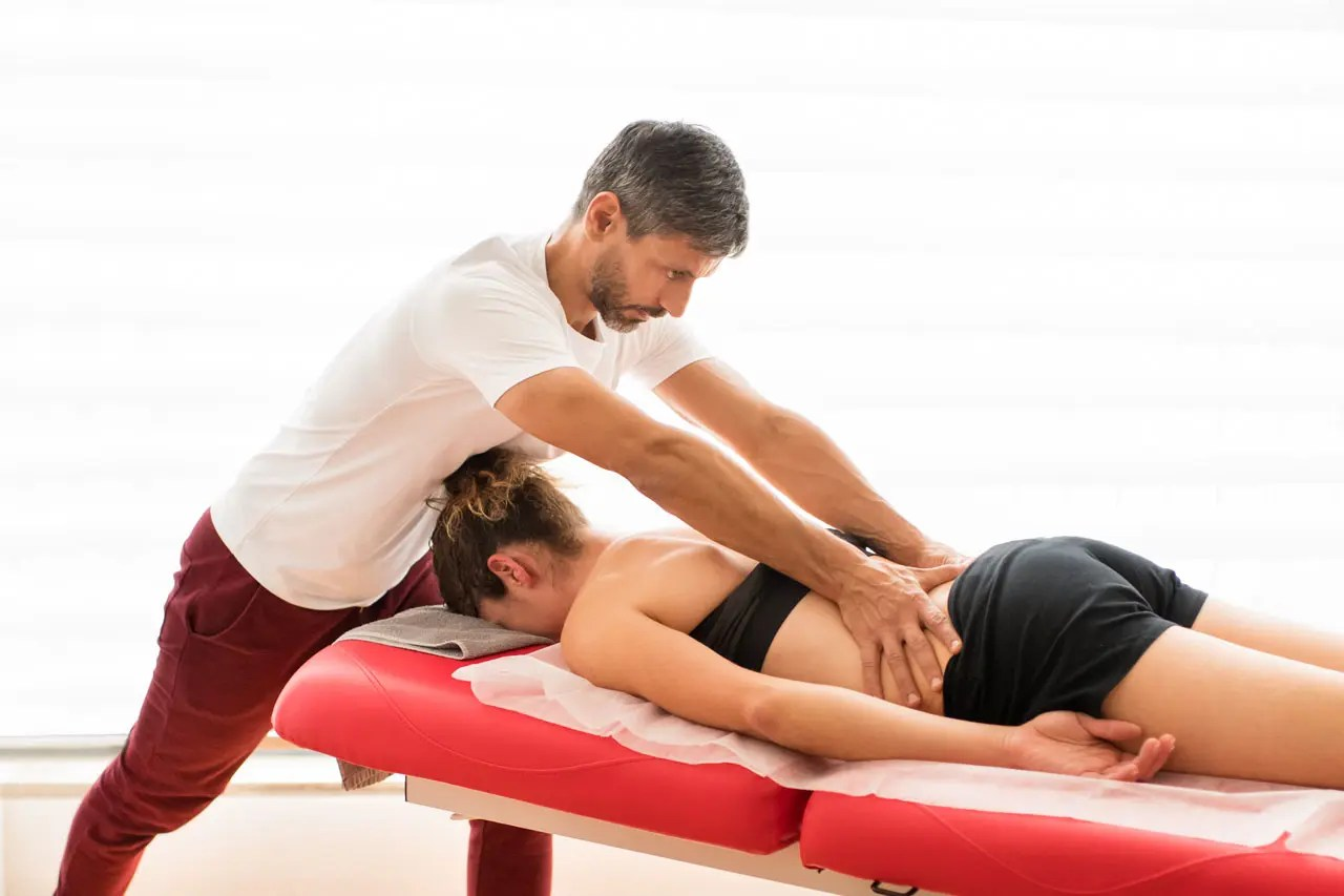 Chiropractic Spinal Mobilization Manipulation Techniques and Sciatica