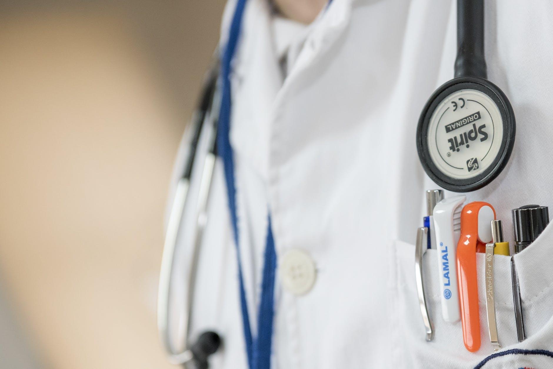 O que mudou na tributação dos médicos em 2018?