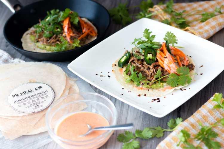 Banh Mi servido como tacos en tortillas de PR Foods