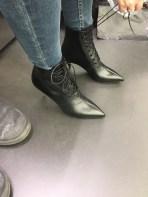 Выбираем обувь в аутлете Серравалле, Ив сан лоран, полуботинки, отлично дополнят аутфиты в классическом деловом стиле молодой бизнеса леди