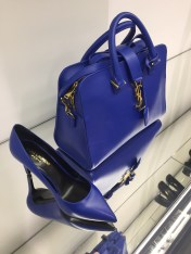 аутлет Серравалле, прекрасные модели от бренда Saint Laurent.