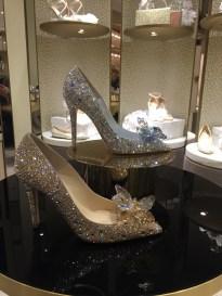 """шикарные туфли для """"принцесс"""" предлагает бутик Jimmy Choo."""