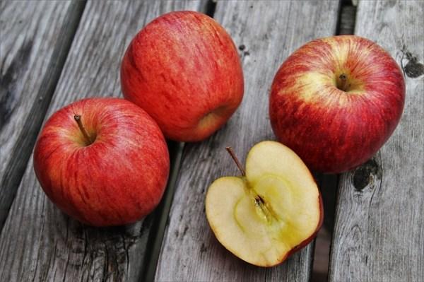 Zomer stamppot met bleekselderij, appel en feta