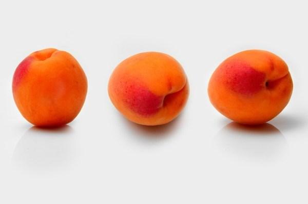 Rucola salade met abrikozen en mozzarella