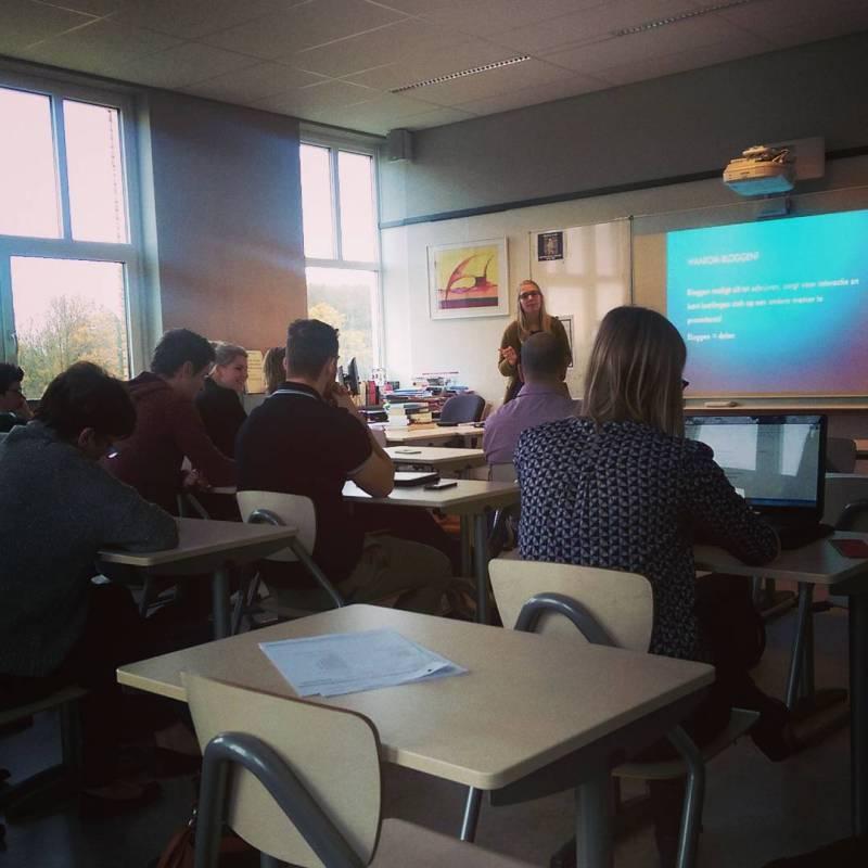 """Workshop """"Bloggen met je (mentor)klas"""" door collega Sanne van de #Knip #ictosh"""