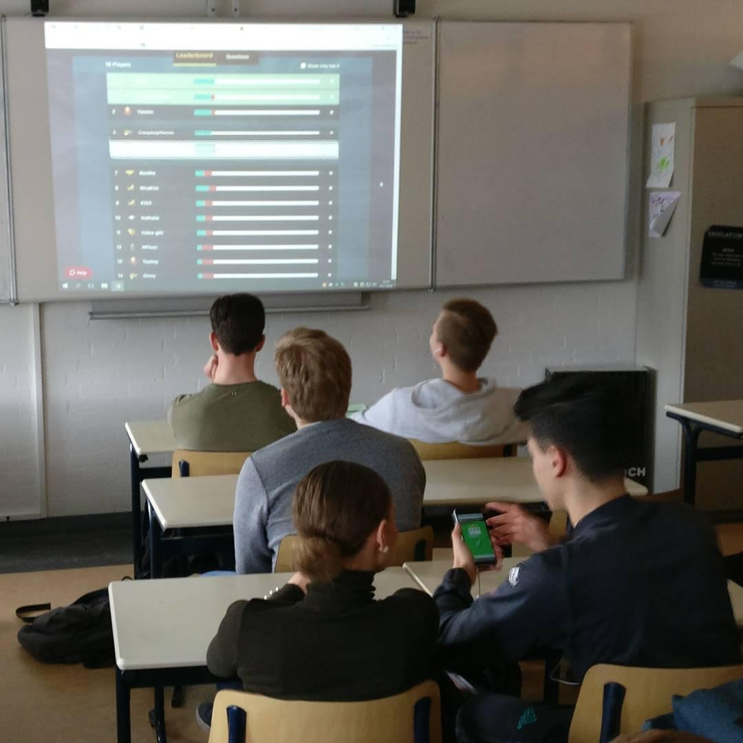 Met @quizizz druk argumentatie oefenen in H5 #Knip #school #onderwijs