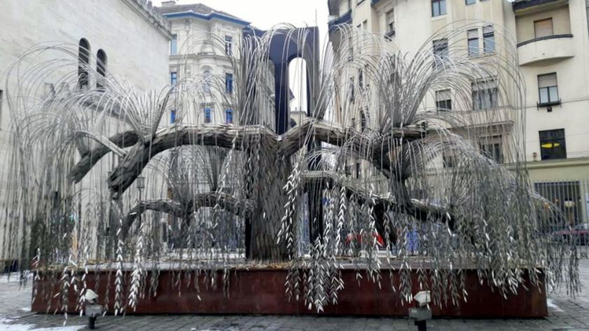 L'albero della vita realizzato da Imre Varga