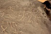Egypt (Gharb Aswan): old geometric rock art