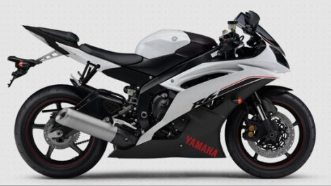 Yamaha R6 Competitive White