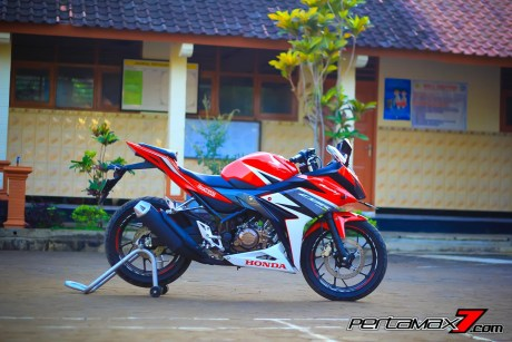 All New Honda CBR150R 2016 Warna Merah Racing Red 29 Pertamax7.com