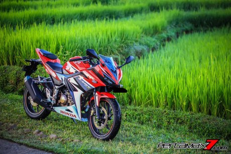 All New Honda CBR150R 2016 Warna Merah Racing Red 70 Pertamax7.com