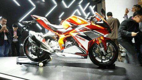 samping kanan full All New Honda CBR250RR Merah 7 Pertamax7.com