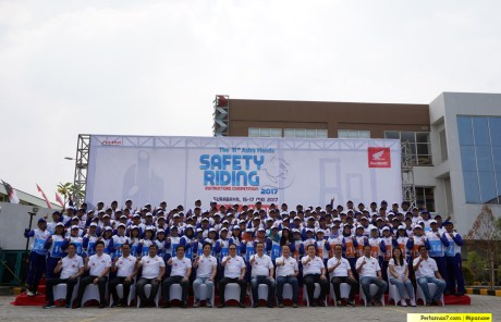Juara Astra Honda Safety Riding Competition 2017