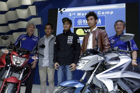 Yamaha All New Vixion R vs STD