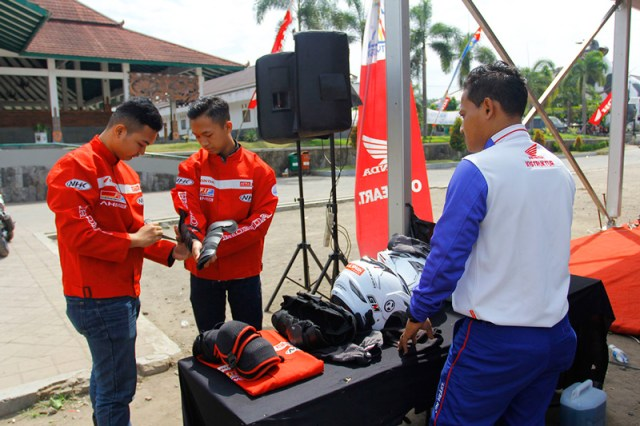 Persiapan Honda CBR Track Day