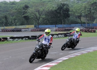 Peserta Safety Riding Training geber Suzuki GSX-S150