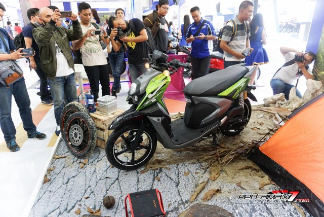 Samping Kiri Depan Yamaha All new X-ride 125