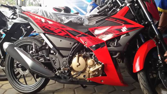 Samping All New Suzuki Satria F 150 Injeksi Merah 2018