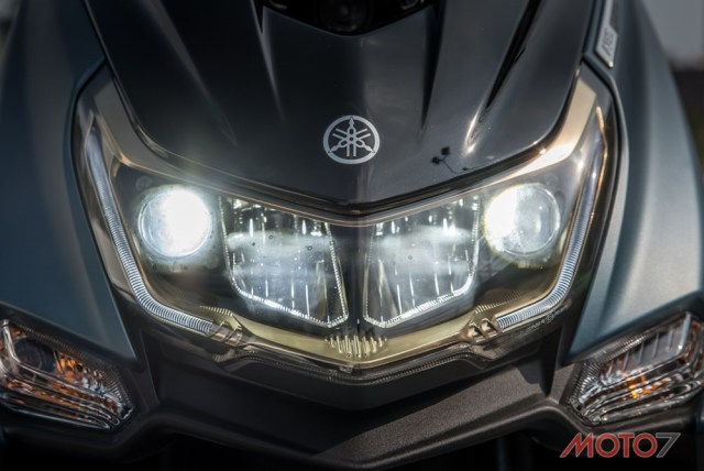 Headlight Yamaha SMAX 155 ABS LED Taiwan 05 P7