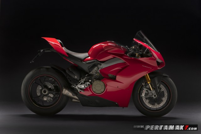 Ducati by Rizoma accessorised Panigale V4