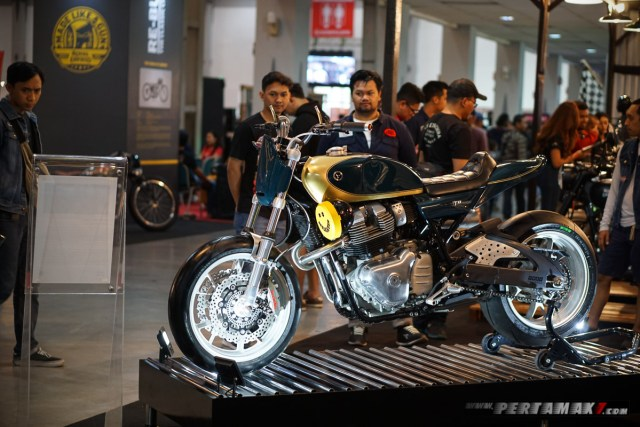 Kustom Royal Enfield T-XX Interceptor T-650 By Thrive Motorcycle 011 P7