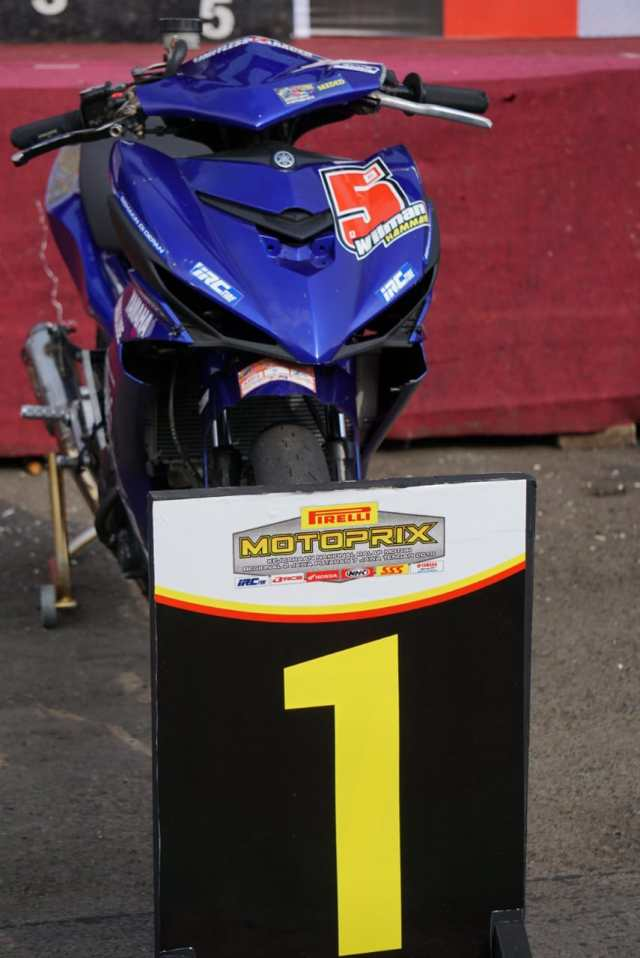 Podium Juara 1 MX King