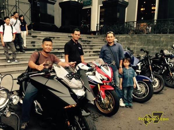 pertamax7.com naik moge mahal Honda NM4 Vultus dan Honda CBR1000RR SP