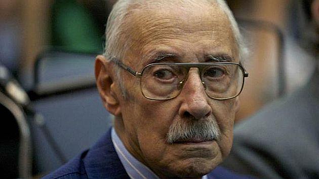 Videla durante la lectura de su sentencia en 2010. (Lavoz.ar)