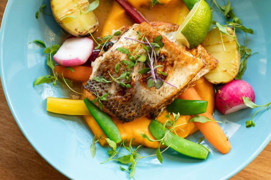 Fish provides us with protein and is easy to digest.  In the beach places, in addition, we will find it in the markets fresh and at a good price.  (Photo: Pexels)